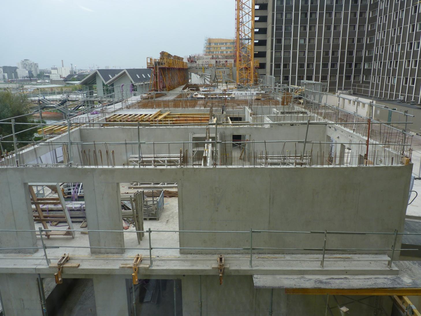 Vue du 4° étage à l'horizontale d'Est en Ouest
