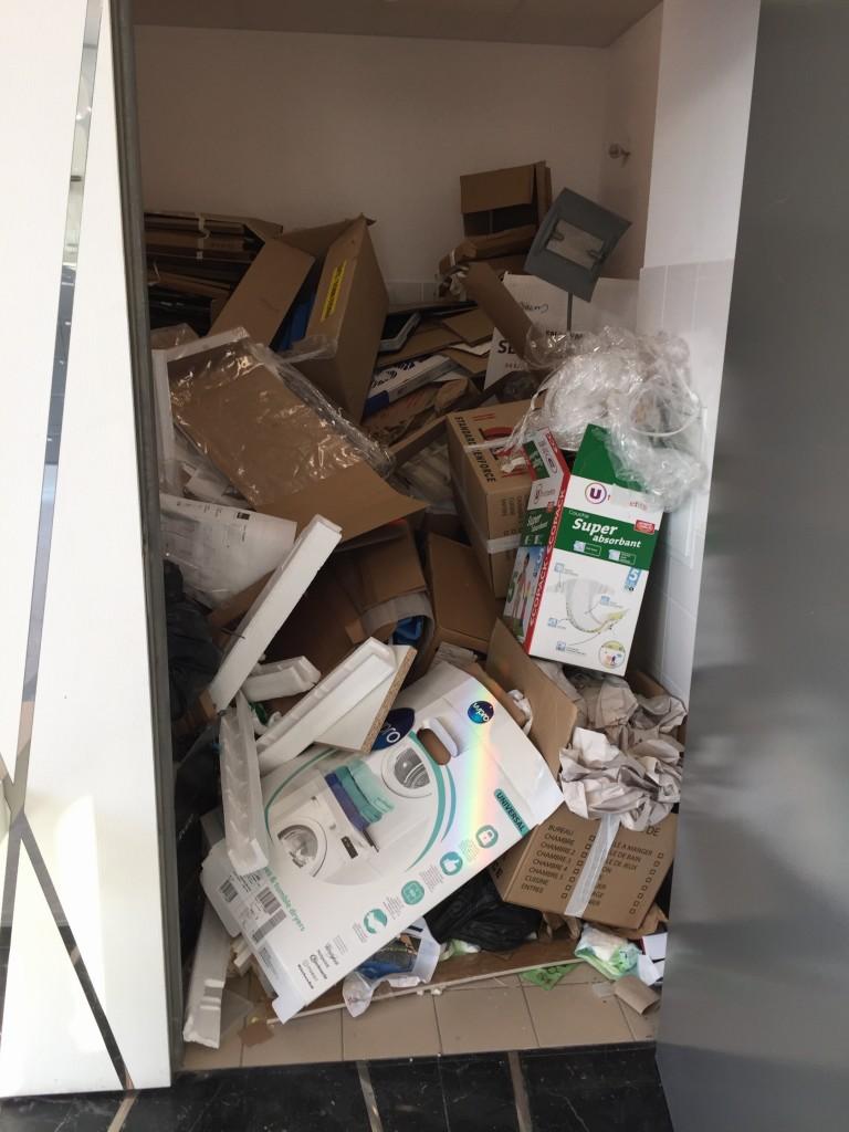 Local d'accès aux vides ordures :-(